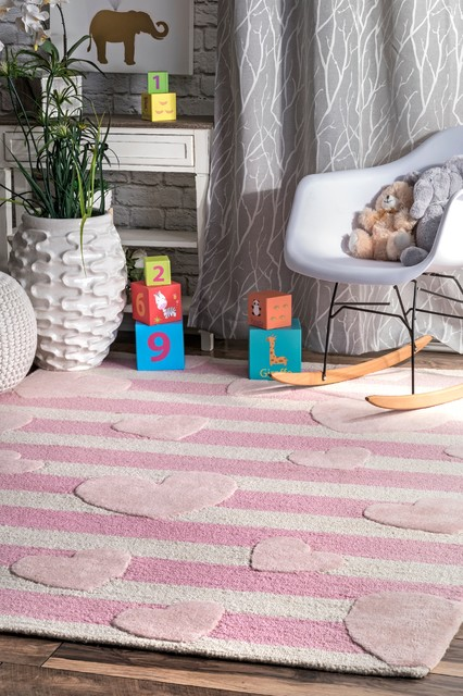 Handmade Floating Hearts Nursery Wool Area Rug, Pink, 7&x27;x9&x27;.