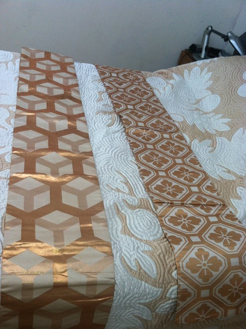 Display Ideas Hawaiian Quilt And Japanese Obi