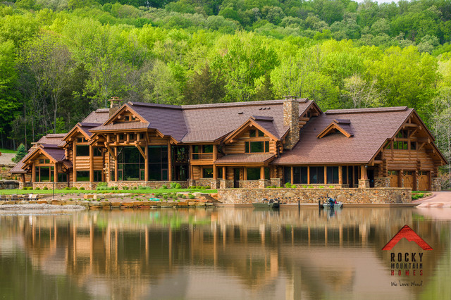 Lodge style living rocky mountain homes rustic for Rocky mountain home builders