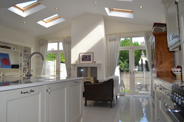 Templeogue traditional kitchen dublin by joe for Traditional kitchen extensions