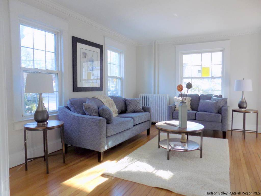 UPTOWN KINGSTON 2 VACANT STAGING