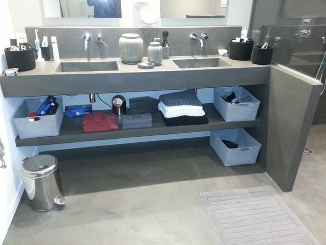 beton cire salle de bain transitional bathroom. Black Bedroom Furniture Sets. Home Design Ideas
