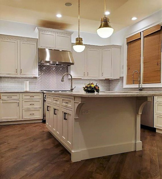 This family home update was primarily a remove and replace keeping most cabinetry in the existing footprint. We added more accessible storage with accessories and simple changes to the previous design