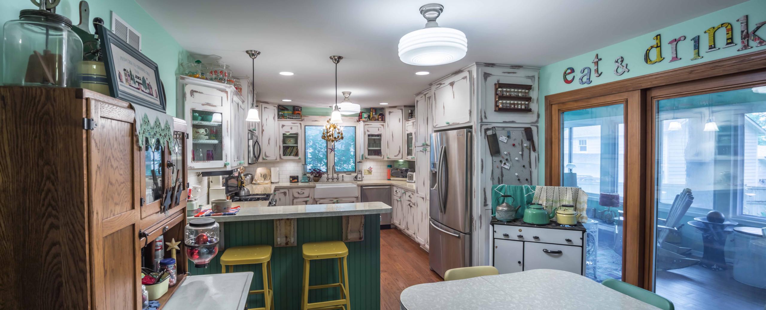 Shabby-Chic Country Kitchen & Sunroom