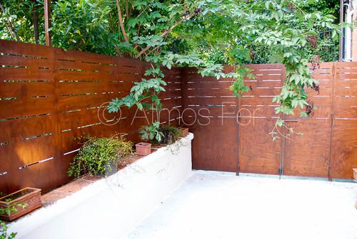 je cherche un ordre de prix pour r aliser un portail en acier corten. Black Bedroom Furniture Sets. Home Design Ideas
