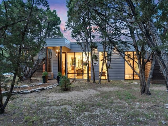 Inspiration for a modern exterior home remodel in Austin