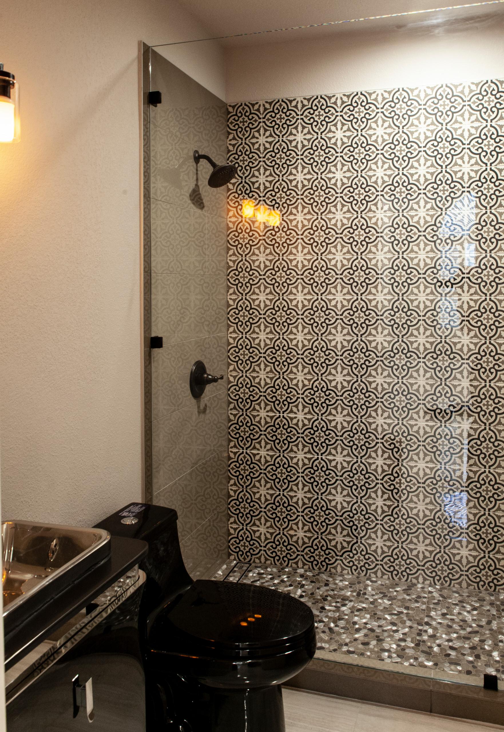 Bathroom Frameless Showers