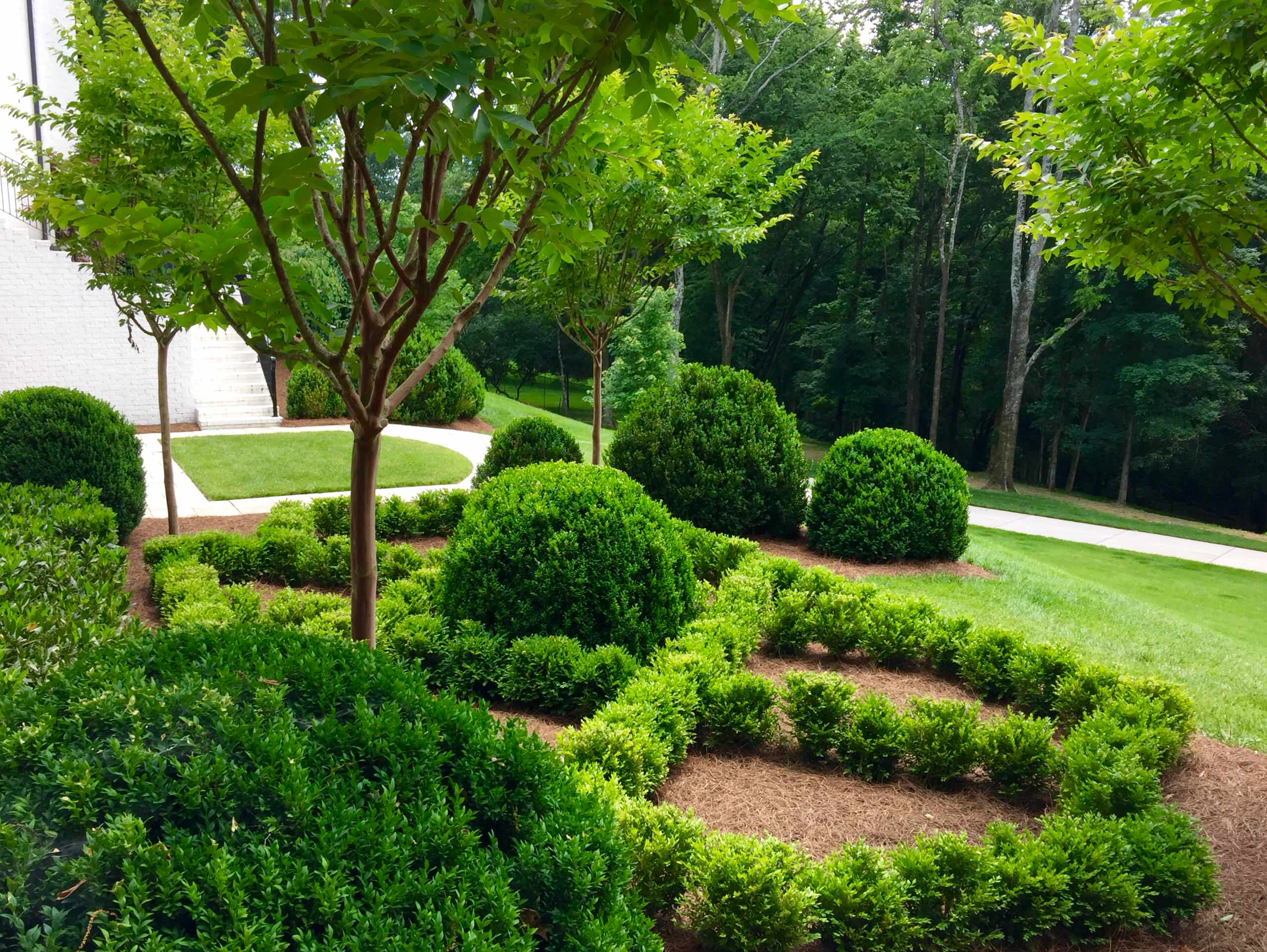 Contemporary Style with Classic Landscape nuances - Franklin Tn