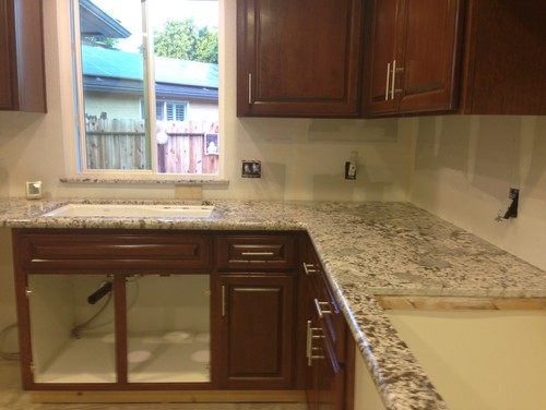 Backsplash For Bianco Antico Granite Ideas Enchanting Bianco Antico Backsplash Ideas Review