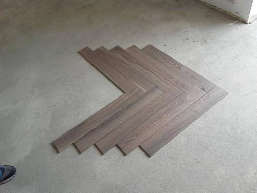Posa a spina di pesce gres effetto legno for Schemi di posa gres porcellanato effetto legno
