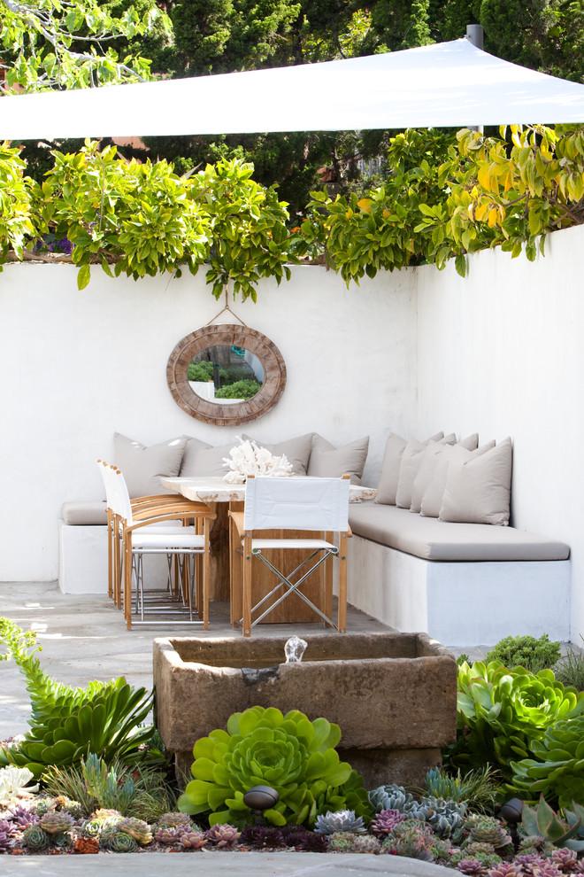 Minimalist home design photo in Los Angeles