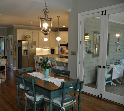 10 Kitchen And Home Decor Items Every 20 Something Needs: Nedd Help With Lighting Over Farmhouse Table