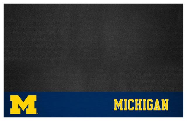 """Michigan Grill Mat 26""""x42""""."""