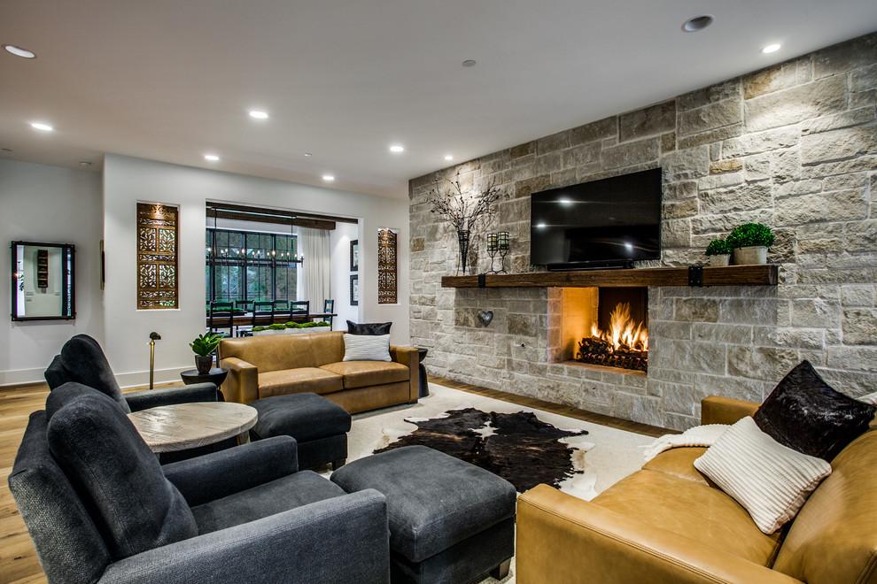 Home design - rustic home design idea in Dallas