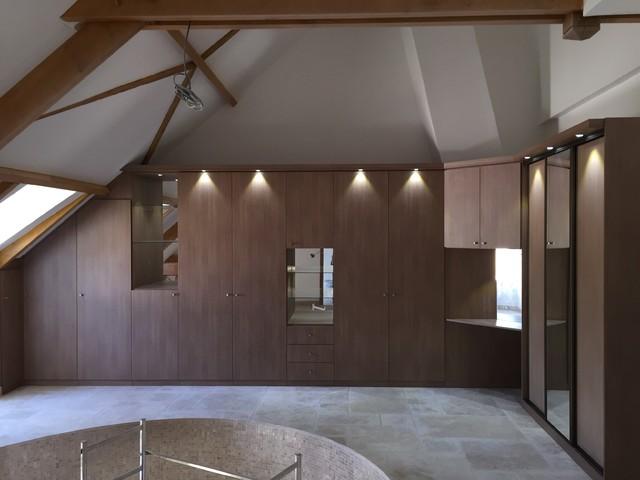 am nagement placard dans un garage contemporain paris par les compagnons du placard. Black Bedroom Furniture Sets. Home Design Ideas