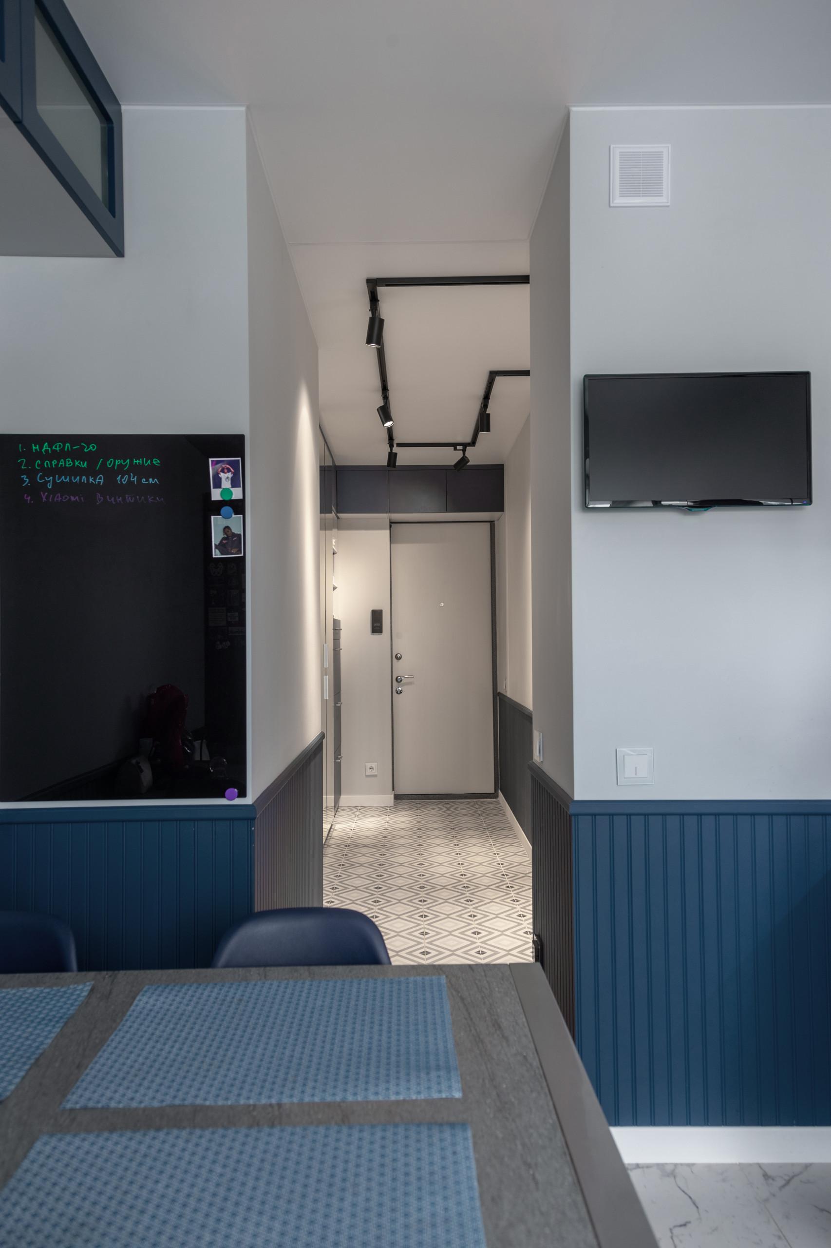 Столовая. Вид на выход в коридор