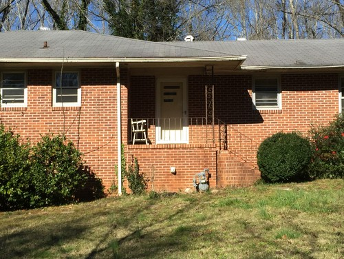 Need Exterior Ideas For Our 50s Brick Ranch