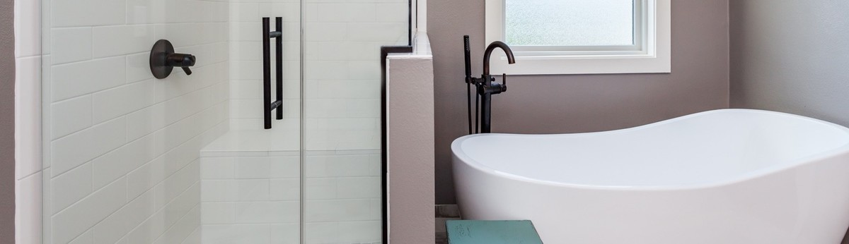 HomeWorx Remodeling And Handyman Services Des Moines IA US - Bathroom remodel west des moines