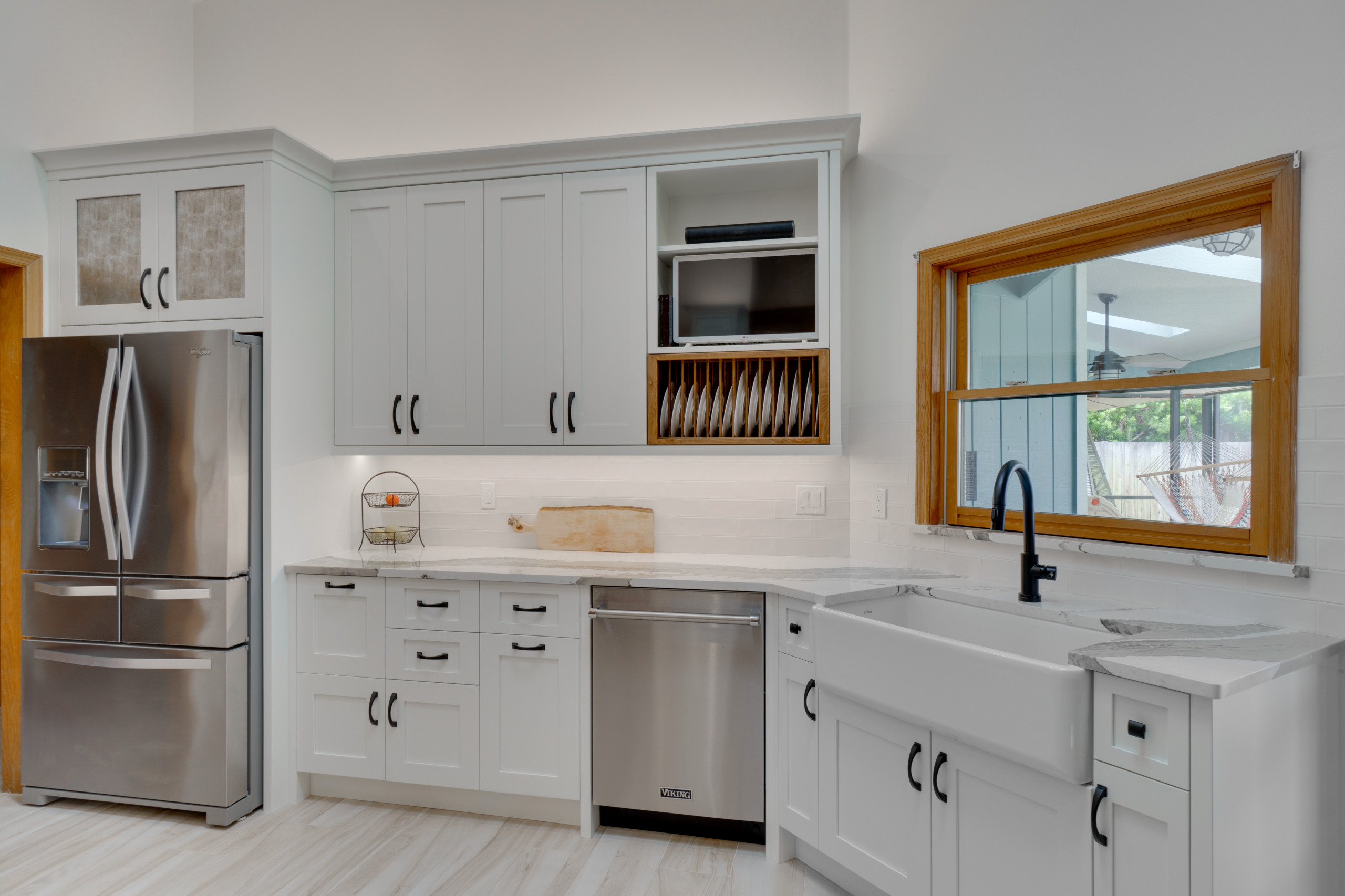 Kitchen Remodel in Painted Shaker with Stained Wood Accents