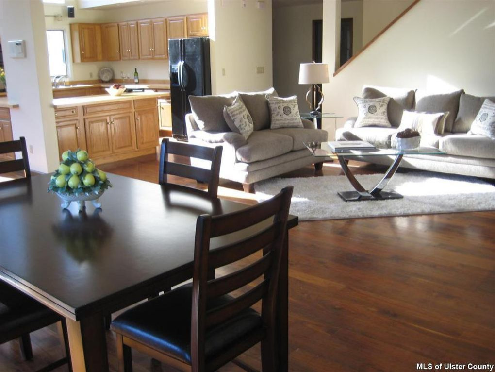 WOODSTOCK HOME STAGING