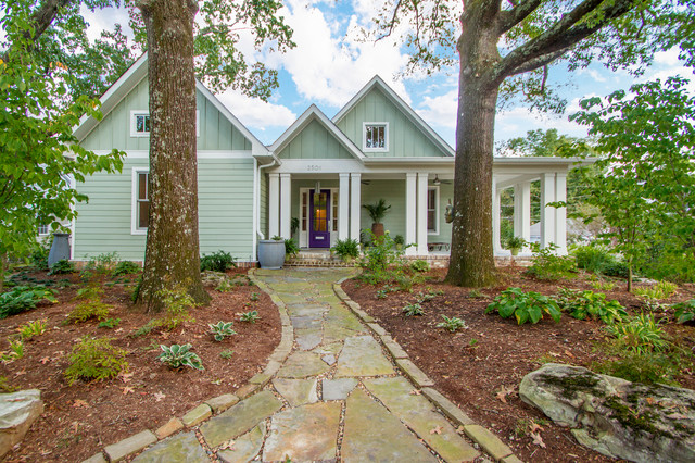 Example of an arts and crafts home design design in Little Rock