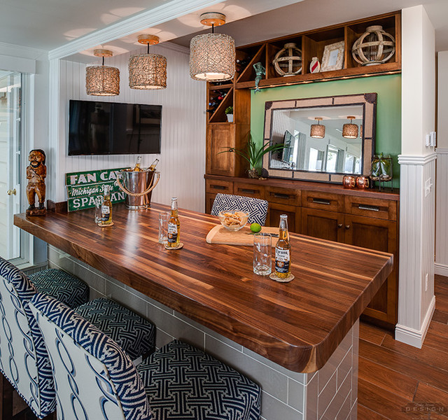 Lake Home Bar Design Ideas: Beach Style