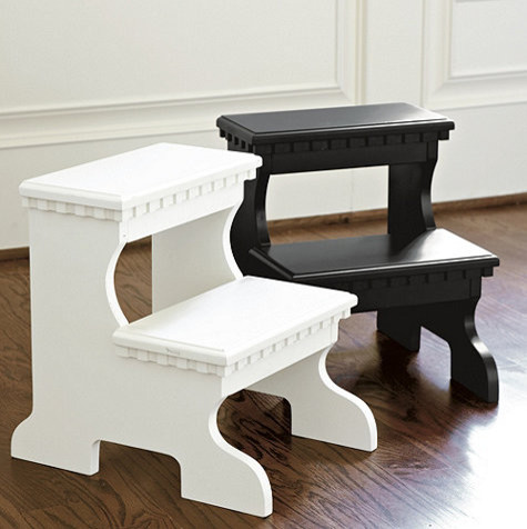 Bailey Step Stool Traditional