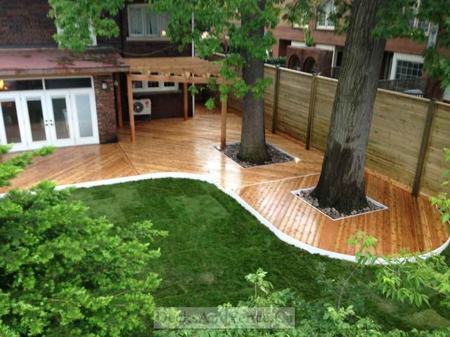 Horizontal fence pergola and wrap around deck Modern  : modern from www.houzz.com size 640 x 480 jpeg 105kB