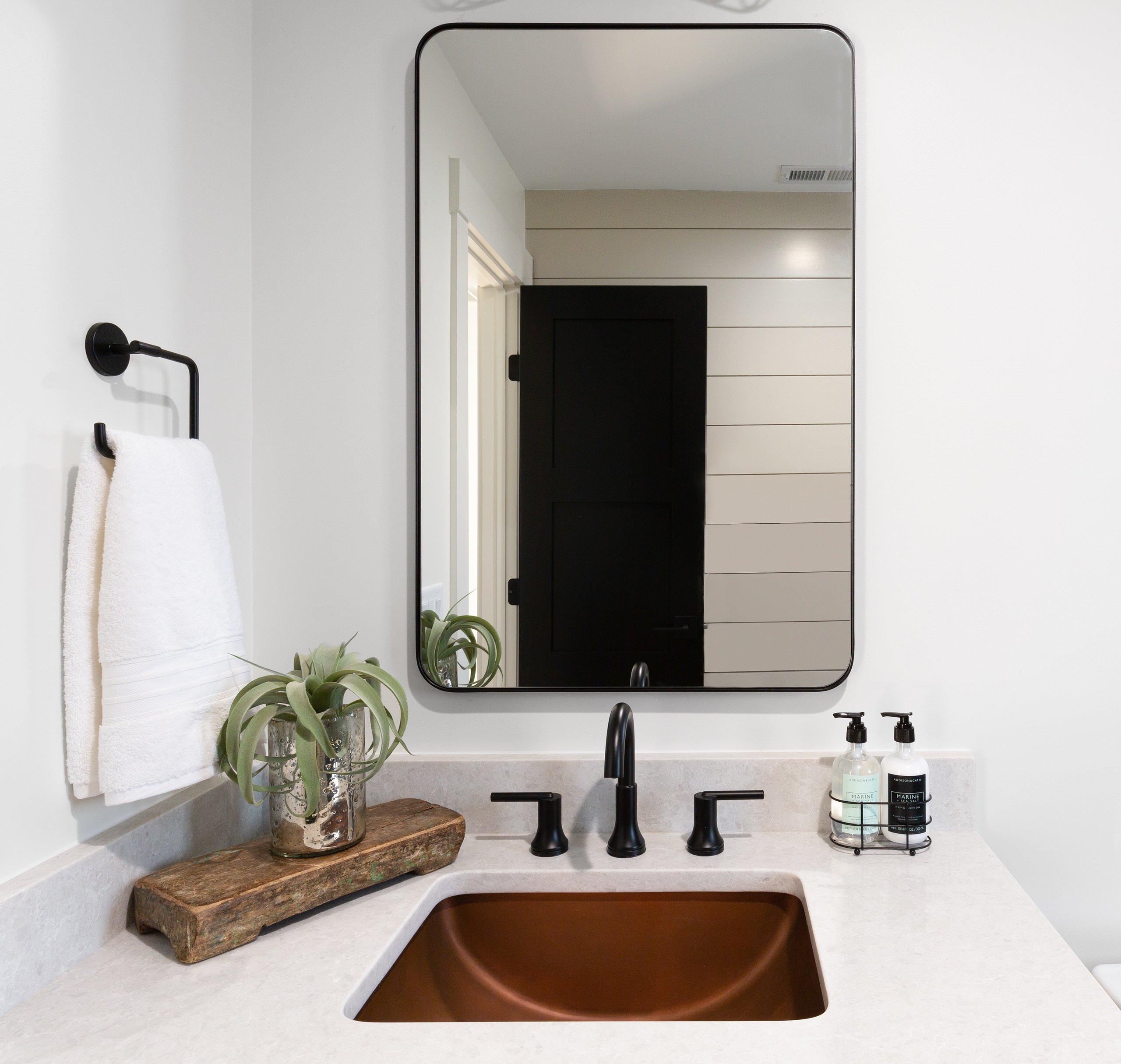 Hall bathroom details
