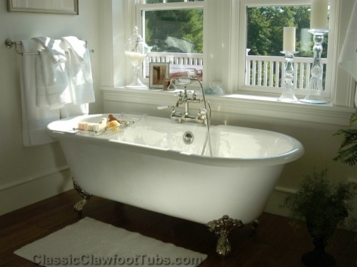 Pictures Of Clawfoot Bathtubs: Gorgeous Bathroom With A Double Ended Clawfoot Tub