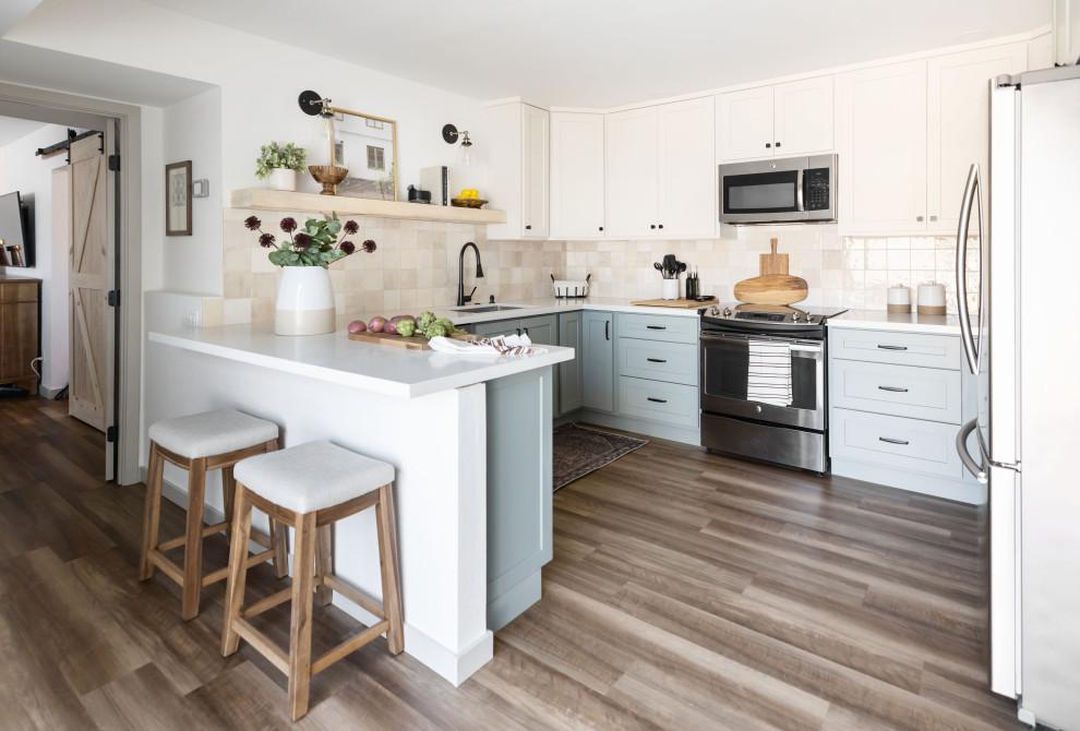 Home design - coastal home design idea in Phoenix