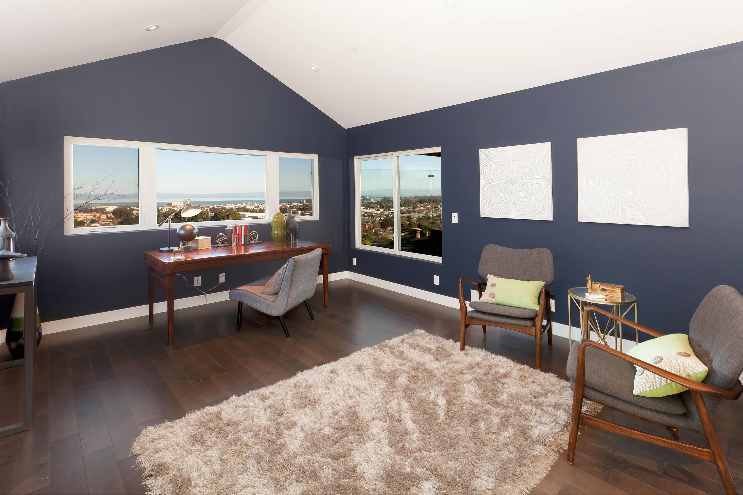 Renovated Contemporary Peninsula Home