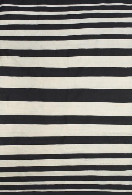 Salta Rug, Black/white,, 2&x27;x3&x27;.