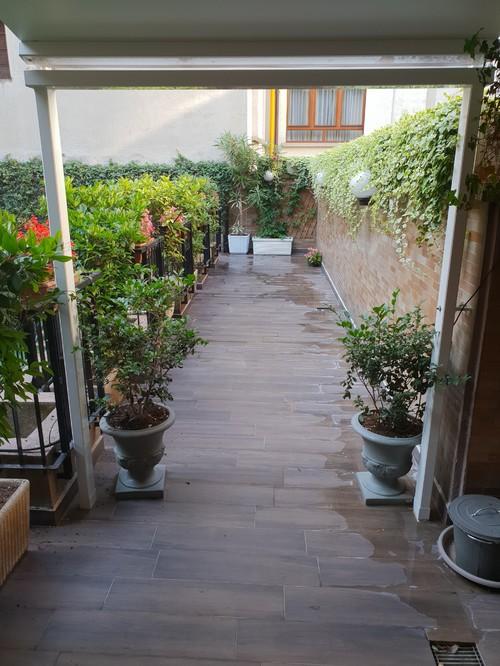 Come Arredare una terrazza stretta e lunga