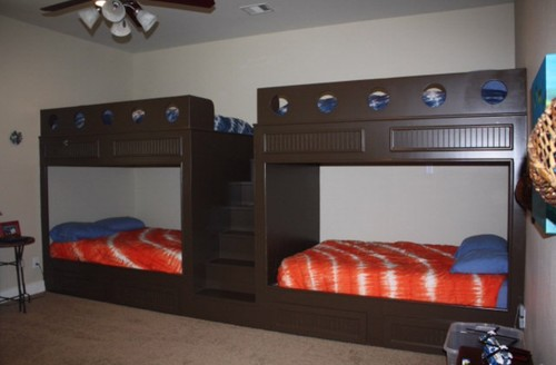 10 year old boy\'s Bunk room