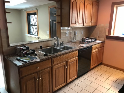 and weu0027re planning on painting the walls a light offwhite like creamy from sw or sw ivory lace and trim a brighter white like sw extra white - What Color Should I Paint My Kitchen