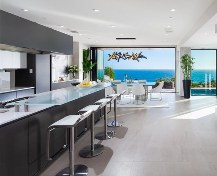 Laguna Beach Kitchen & Bar