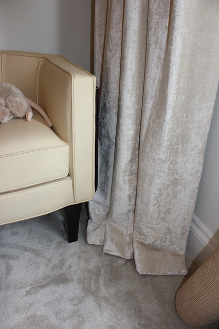 Stunning single pleat curtains and roller blind for a for Roller pleat curtains