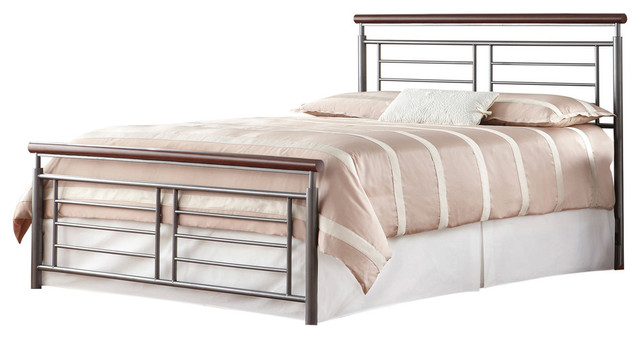 Fontane Silver/cherry Metal Bed, King.