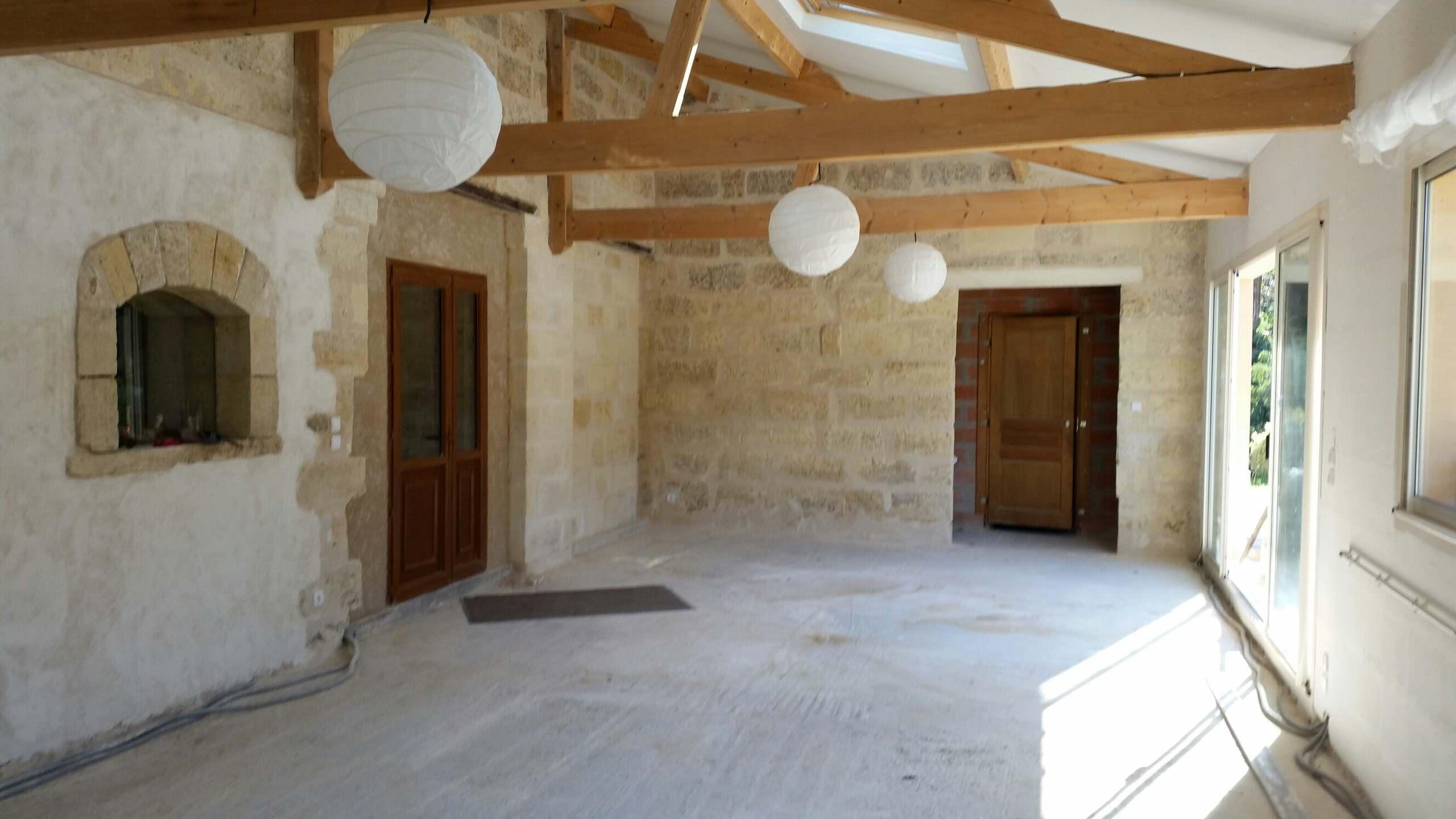 Réhabilitation d'une bâtisse ancienne aux Artigues de Lussac