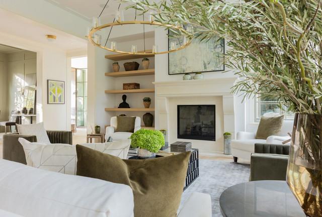 Home design - farmhouse home design idea in Los Angeles