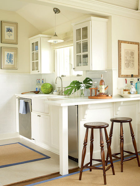 Small Beige Clean Kitchen   MyHomeIdeas.com