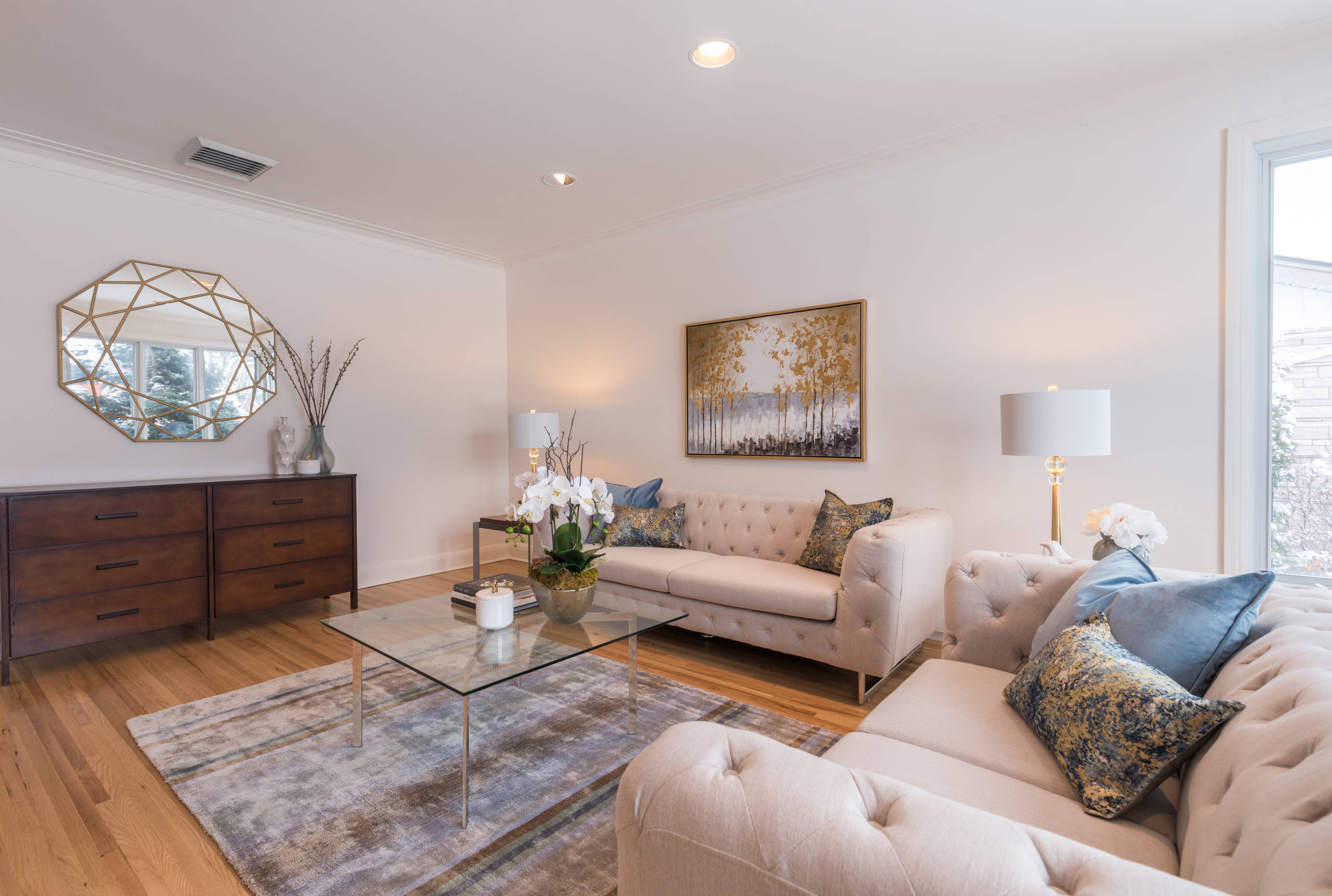 TMR Family Home - Cosmetic Updates and Staging to Sell