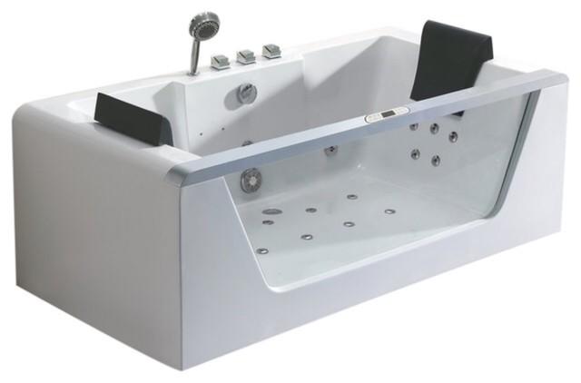 Modern Jacuzzi Bathtub Model Platinum 2000.