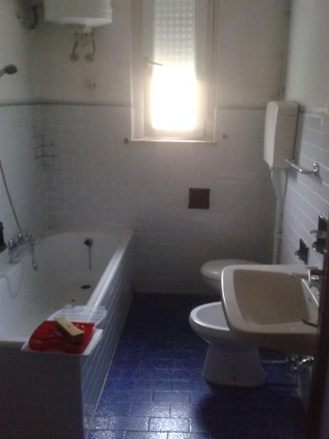 Aiuto per rifare bagno e parquet - Devo rifare il bagno ...