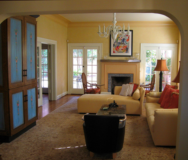 Example Of An Eclectic Home Design Design In Austin