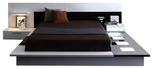 Modrest Impera Contemporary Lacquer Platform Queen Bed.