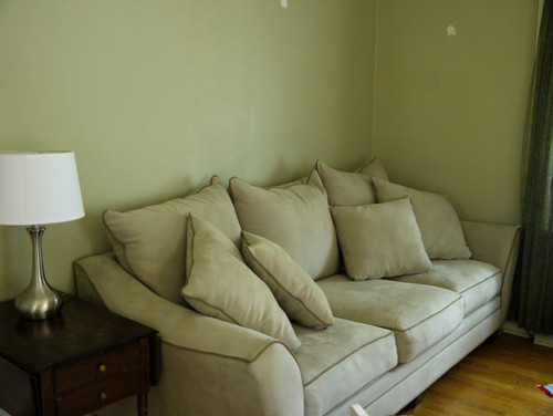 Wall color to complement taupe couch