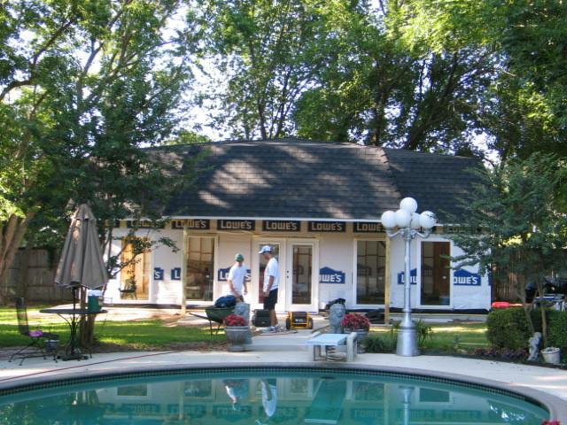 Pool House / Shop