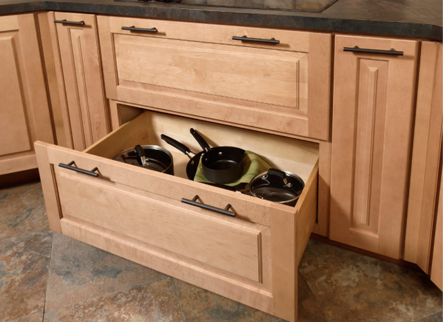 Pots pans storage cabinet for Kitchen cabinets with drawers